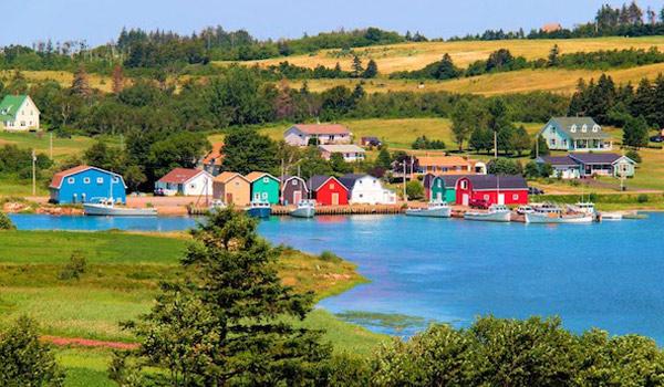 Dinh cu Dao Hoang Tu dinh cu dau tu Canada - PEI Painted Houses_Doslink.com.vn